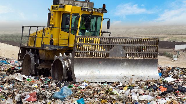 קומפוסט - מיחזור פסולת אורגנית (צילום: ואוליה)