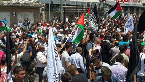 Slain Palestinian teen's funeral procession (Photo: Hassan Shaalan)
