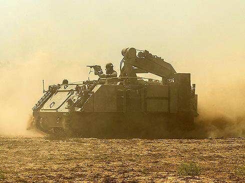 IDF APC on the Gaza border (Photo: AP)