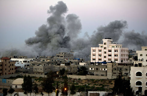 Smoke above Gaza Strip (Photo: AFP)