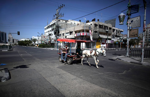 Deserted streets in Gaza (Photo: AP)