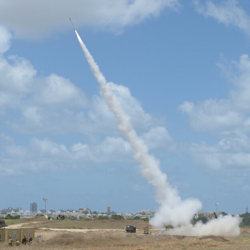 Iron Dome intercepting a Gaza rocket over Ashdod (Photo: Avi Rokach)  (Photo: Avi Rokach)