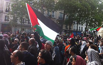 הפגנה אנטישמית בצרפת שהתפתחה לאירוע אלים (צילום: קרולין למור)