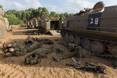 IDF reservists on the Gaza border. (Photo: EPA) (IDF reservists on the Gaza border. (Photo: EPA))