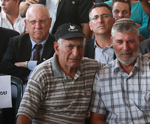 President-elect Reuven Rivlin alongside Interior Minister Gideon Sa'ar at funeral on Wednesday (Photo: Avi Mualem) (Photo: Avi Mualem)