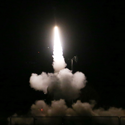 Iron Dome intercepts rocket over Tel Aviv (Photo: Yaron Brenner)