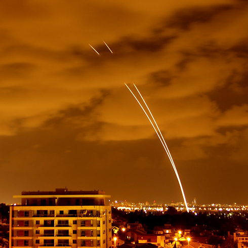 Iron Dome interceptor missiles over Tel Aviv (Photo: Pini Netrovich)