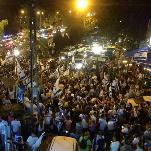 Counter protest in Haifa (Photo: Hassan Shaalan)
