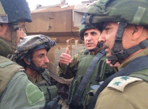Southern Command Maj.-Gen. Shlomo Turgeman with soldiers in Saja'iyya (Photo: IDF Spokesperson's Unit)