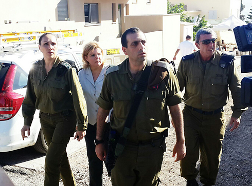 Maj.-Gen. Orna Barbivai arrives at the Shaul family home (Photo: Gil Nechushtan)