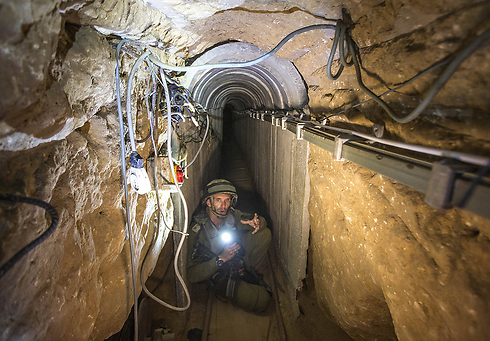 IDF soldier in Gaza tunnel during Protective Edge (Photo: AP) (Photo: AP)