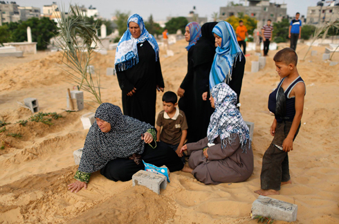 Gazan woman mourning her lost relative (Photo: Reuters)