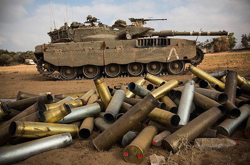 IDF tank and spent ammunition on the Gaza border (Photo: Getty Images) (Photo: Getty Images)