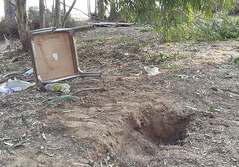 Location where mortar shell landed in Eshkol, Tuesday morning (Photo: Ido Erez) (Photo: Ido Erez)