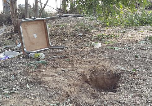 Location where mortar shell landed in Eshkol, Tuesday morning (Photo: Ido Erez) Photo: Ido Erez