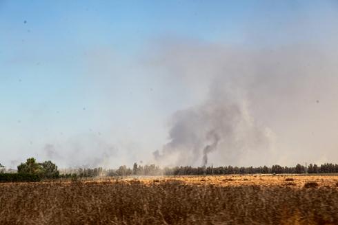 אש ברצועת עזה (צילום: מוטי קמחי )