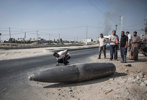 Missile that did not explode in Deir al-Balah (Photo: EPA) Photo: EPA