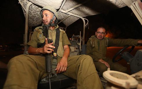 Forces begin to leave Gaza (Photo: Gil Yohanan)