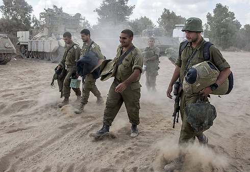 IDF soldiers leaving the Gaza Strip (Photo: AFP)