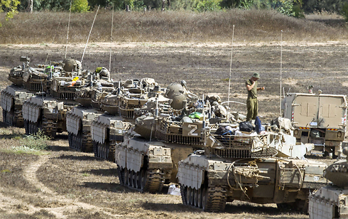 IDF tanks on the Gaza border (Photo: AFP)