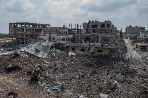 Demolished buildings in Beit Hanoun during the Gaza conflict (Photo: EPA) (Photo: EPA)