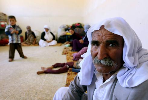 בני המיעוט היזידי בעיראק שמצאו מקלט בעיר כורדית (צילום: AFP)