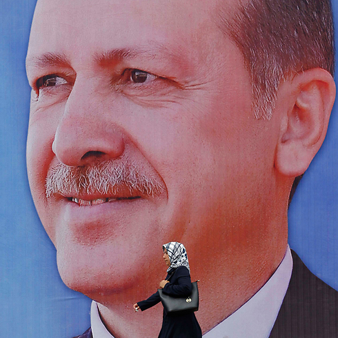 Erdogan looms: 'National will, national power' (Photo: Reuters)