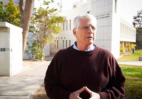 Dr. Nachmi Paz