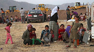 Yazidi refugees on the border of Iraq and Syria Photo: AP