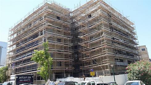 """הבניין בהליך תמ""""א 38 ברחוב רות בר""""ג. הדירות לא נמסרו בזמן"""