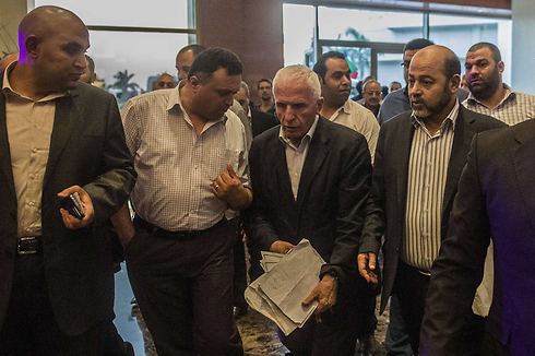The Palestinian delegation in Cairo (Photo: Reuters) (Photo: Reuters)
