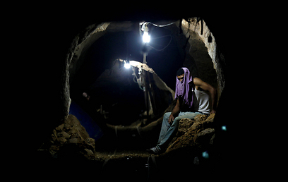 Smuggling tunnel under Rafah (Photo: AP)
