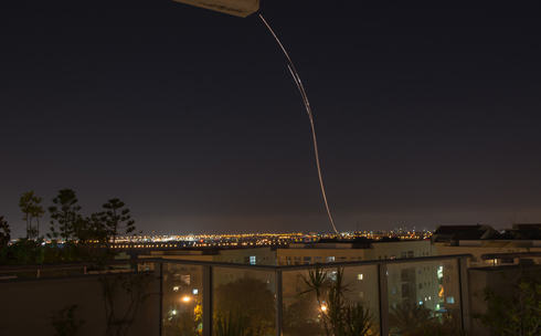 Iron Dome over central Israel (Photo: Eli Batsri) Photo: Eli Basri