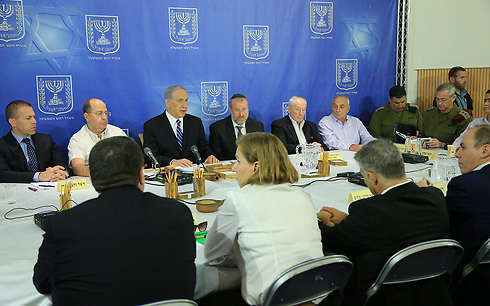 A Security Cabinet meeting at the Kirya (IDF headquarters) during Protective Edge (Photo: Yaron Brener)