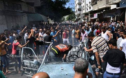 לשימוש הכתבה בלבד! רכב ש הופצץ ליד מסגד א-סחאבה ב רצועה עזה