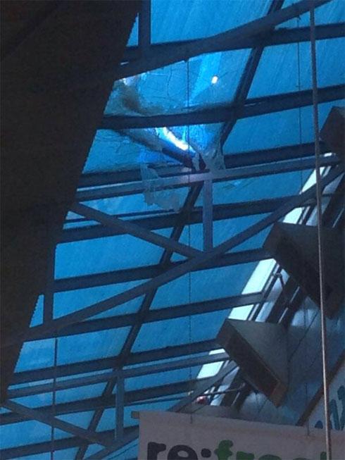 Damage to Ashdod mall (Photo: Gal)
