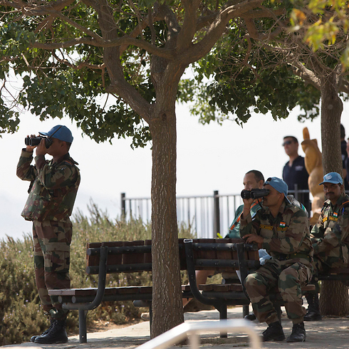 UN peacekeepers surveying battlefield on Golan (Photo: AP)