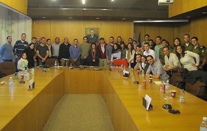 Students with Bank of Israel Governer Prof. Flug (Photo courtesy of Social Economic Academy )