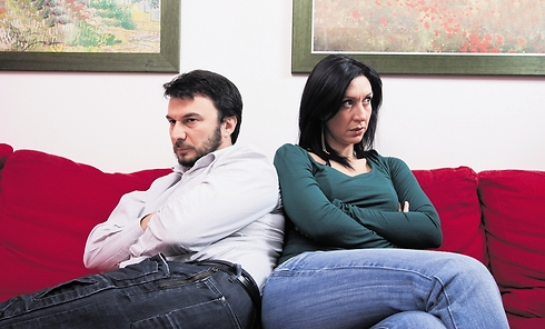 אחרי שתגיע השגרה, הכסף יתחיל לשחק תפקיד בזוגיות שלכם (צילום אילוסטרציה: Shutterstock)