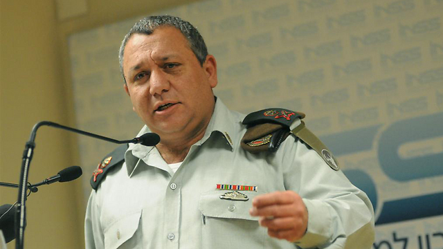 Eizenkot as GOC Northern Command (Photo: Yaron Brener)