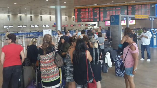 Ben Gurion Airport workers launch strike, delay flight check-in