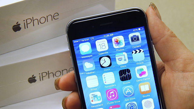 4G iPhone 6 (Photo: AFP)