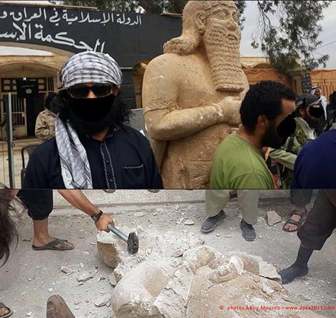 תמונות של אנשי דאעש מנפצים פסל מהתקופה האשורית בתל-עג'ג'ה ()