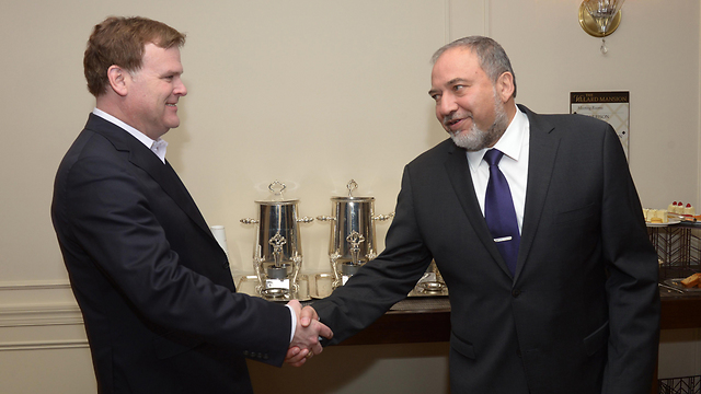 Foreign Minister Avigdor Lieberman with John Baird (Photo: Shahar Azran)
