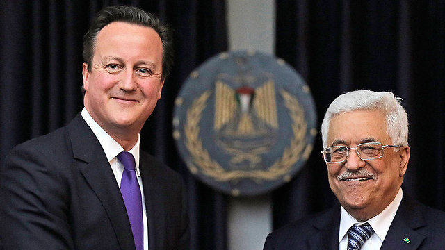 David Cameron and Mahmoud Abbas (Archive photo: Reuters)