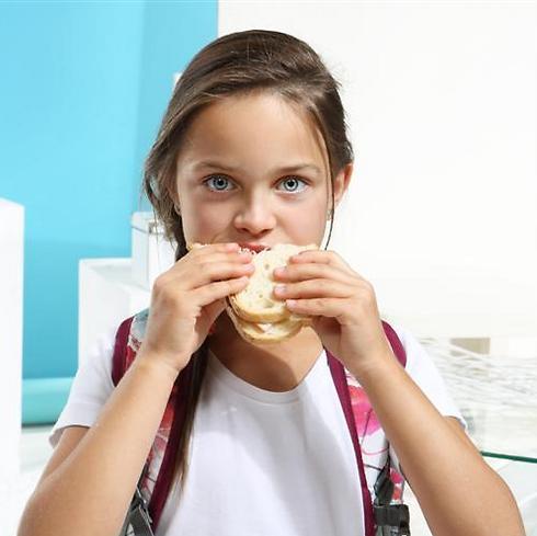הסבירו לילד את החשיבות שבארוחת הביניים (צילום: shutterstock)