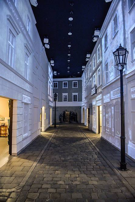 General view of a street of the Jewish Quarter in Warsaw at 'The Street' gallery as part of the core exhibition of the Museum of the History of Polish Jews (Photo: EPA)