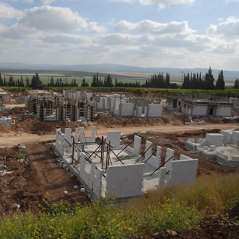 """הקיבוצים מאיימים: בג""""ץ נגד רשות מקרקעי ישראל"""