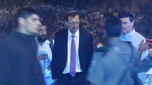 MK Moshe Feiglin at the scene of the shooting (Photo: Noam 'Dabul' Dvir)