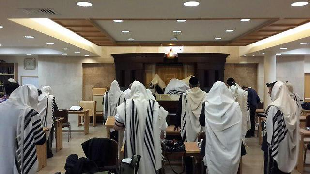Prayer service Wednesday morning (Photo: Noam (Dabul) Dvir)